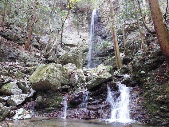 Hatanogo Falls