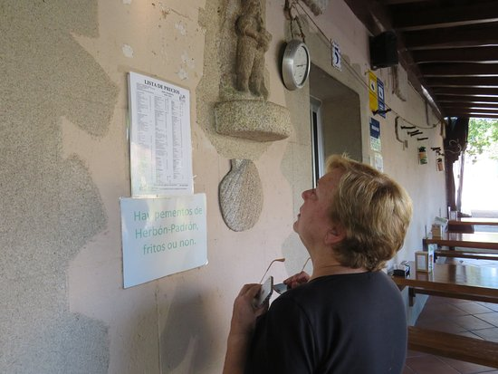 Rois, España: Mirando los platos a degustar