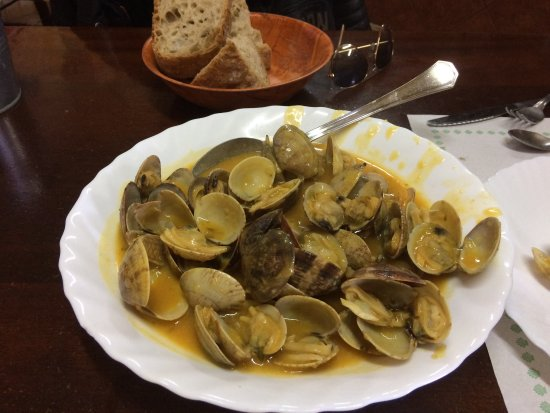 Rois, Spain: Unas almejas exquisitas