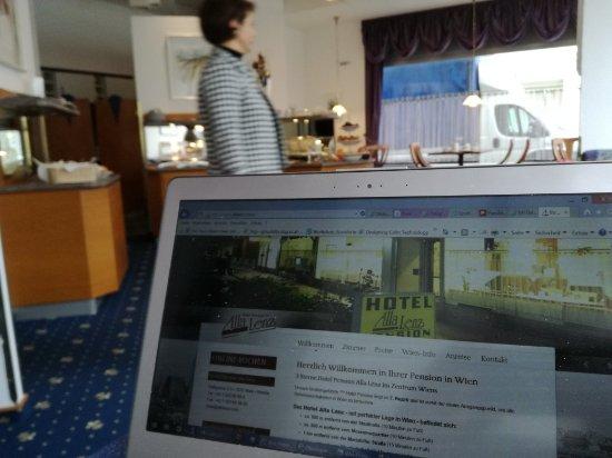 Alla Lenz Hotel: Sehr nette Atmosphäre im Frühstücksraum...