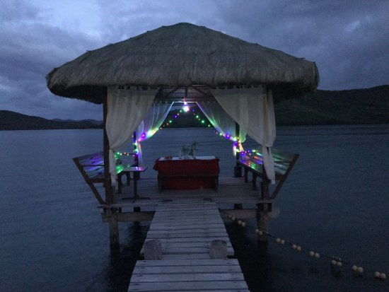 Busuanga Town, Philippines: Private dinner as the beach cabana