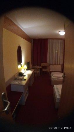 Отель для ночного отдыха путешественников ...