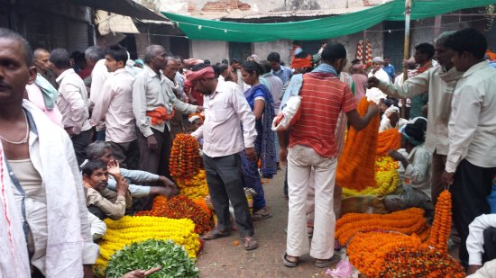 Homestay: Heritage Walk - Flower market