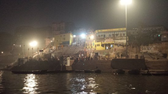 Homestay: Evening boat tour of the Ghats