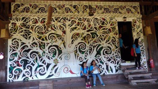 Kulturowa Wioska w Sarawak: Стена дома