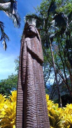 Kulturowa Wioska w Sarawak: Статуя ангела на входе