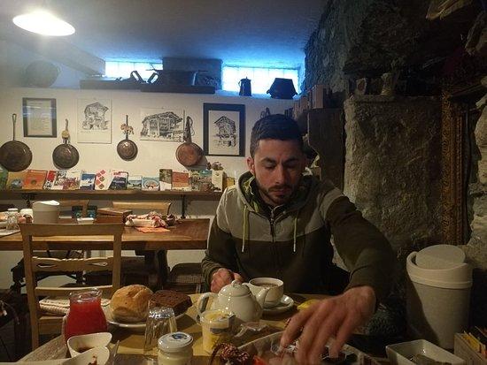 Montjovet, Italy: IMG_20171128_084550_large.jpg