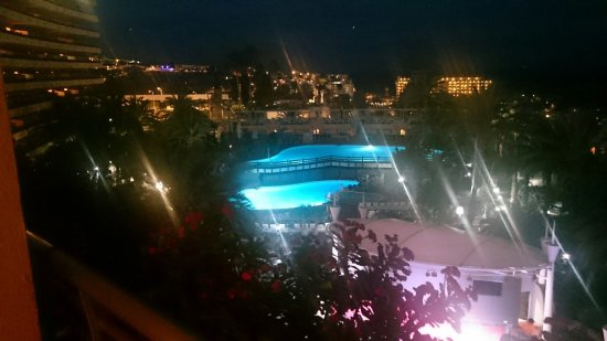 Gloria Palace San Agustin Thalasso & Hotel: Kvällsutsikten