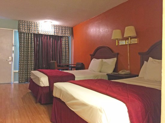 Blytheville, AR: Two Double Beds