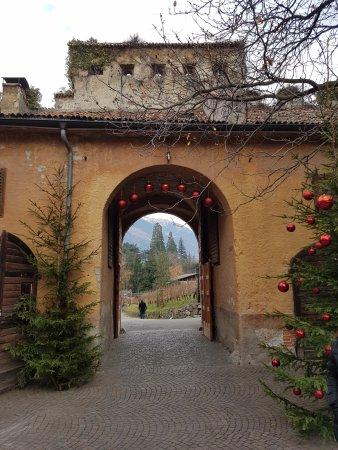 Castello Rametz - Wine Museum: castello