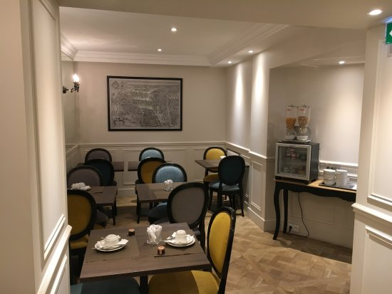 Hotel Saint Christophe  2018 Prices  U0026 Reviews  Paris  France  - Photos Of Hotel