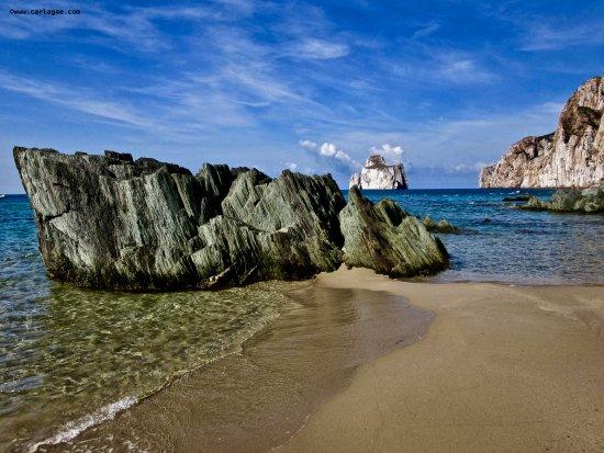 Province of Carbonia-Iglesias, Italie : Spiaggia di Masua e Pan di Zucchero
