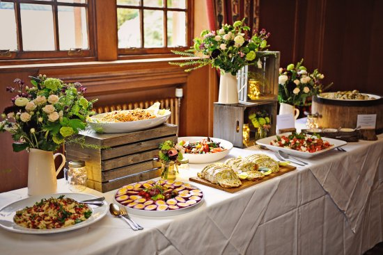 Lauder, UK: Party food!