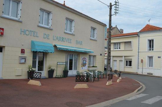 Hotel de l 39 arrivee bewertungen fotos preisvergleich for Fouras hotel