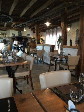 La Membrolle-sur-Choisille, فرنسا: Salle de restaurant