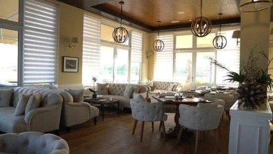 The Hamptons Cafe