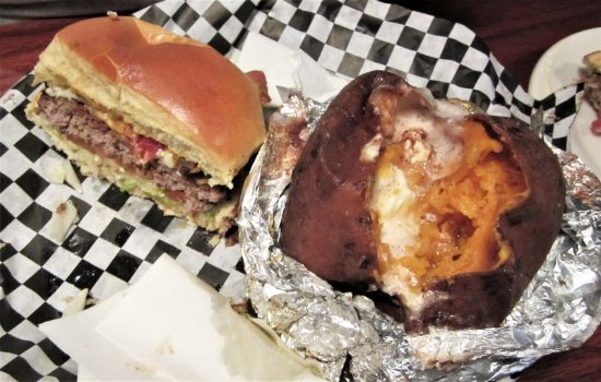 Princeton, WV: Bacon Blue Burger