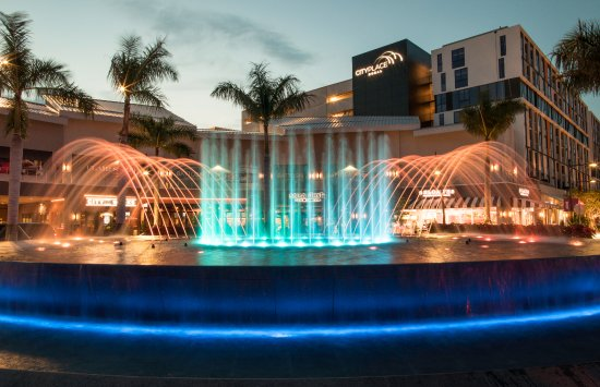Doral, FL: Daily Fountain Show at Night