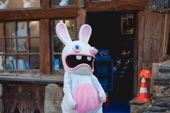 Malestroit, Frankrike: La mascotte devant la boutique