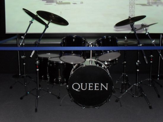 One Of Roger Taylor S Drum Kits 1986 Picture Of British Music