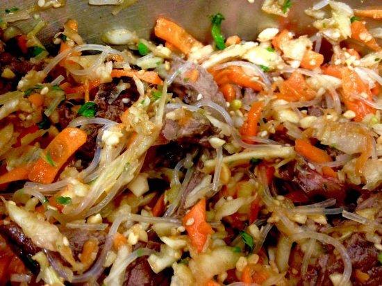 Bouches-du-Rhone, Francia: Salade de boeuf thaï en plat du jour 9,50€
