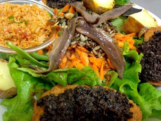 Bouches-du-Rhone, Francia: Salade d'Ici  10,50€