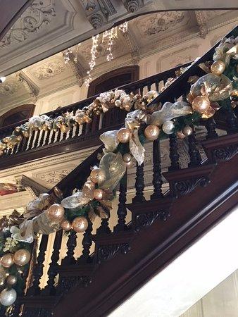 Victoria Mansion: stairs