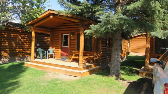 Cowboy Village Resort: Cabin Queen Deluxe
