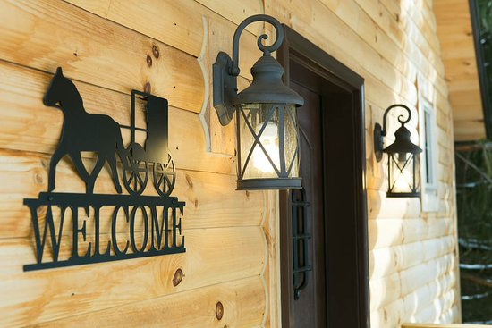 Pine Cove Lodging Amish Country Lodging 154 1 7 4
