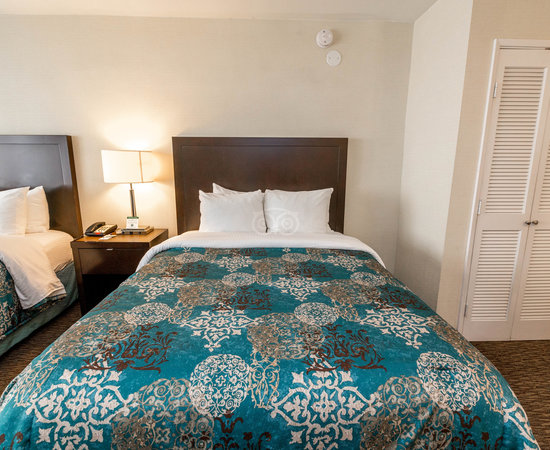Close to UCLA & free parking - Review of Royal Palace