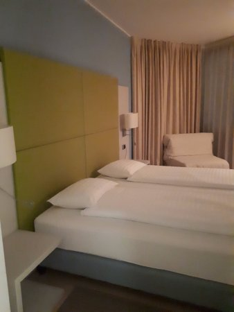 une bonne literie bild von hotel delfino lugano lugano tripadvisor. Black Bedroom Furniture Sets. Home Design Ideas