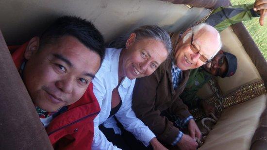 Mara Triangle: Clients enjoying a balloon ride