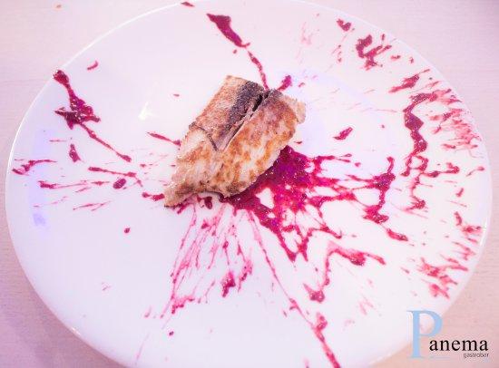 Peligros, Spania: Malva y escabeche de frutos rojos.