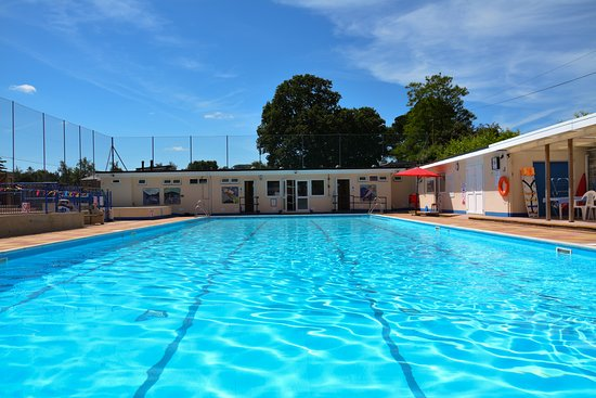 ‪Bovey Tracey Swimming Pool‬