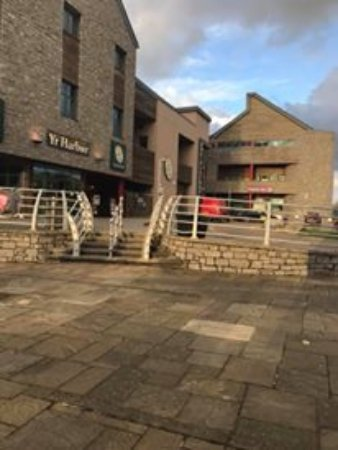 Premier Inn Caernarfon Hotel Photo