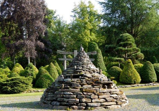 Les jardins de vos rêves: La pyramide en pierres