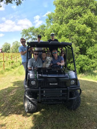 Forestville, Kalifornia: Mule rides during private tastings.