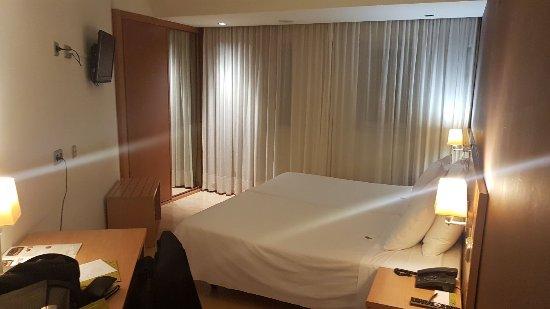 Hotel Exe Puerta de San Pedro: IMG-20171130-WA0014_large.jpg