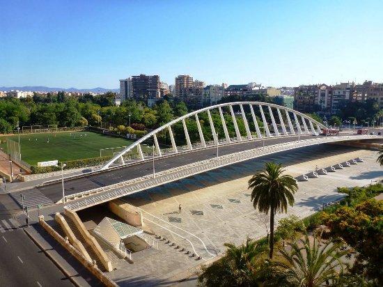 Puente de la Exposicion