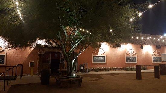Bunkhouse Saloon夜店