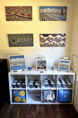 Berridale, Australia: Matching Prints and mugs, perfect for that Alpine Holiday house.