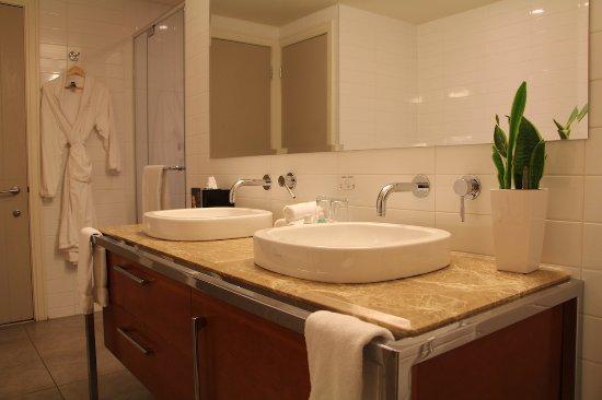 Hotel Le Crystal: Salle de bain suite Crystal