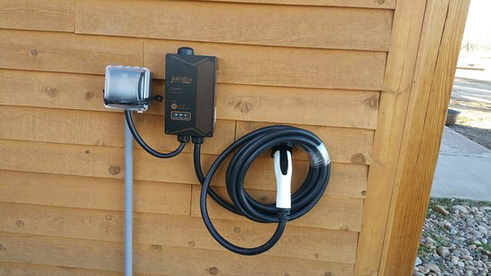 Saratoga, WY: EV Charging--free to guests