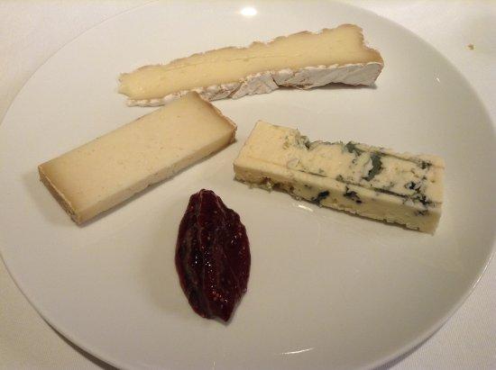 Terrasson-Lavilledieu, Frankreich: Assiette de fromages affinés