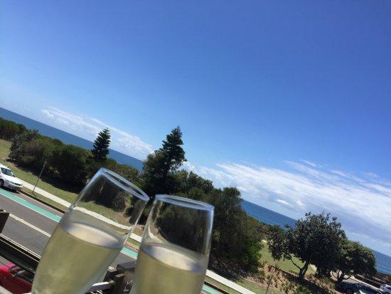 Narrabeen, Australia: Cheers com vista pro mar!