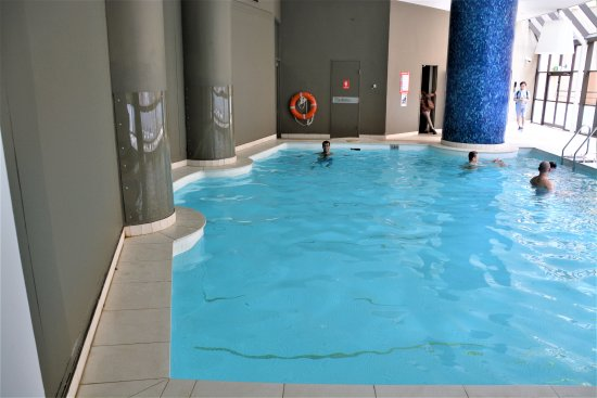 Indoor Pool was NOT heated! - Picture of Sydney Harbour