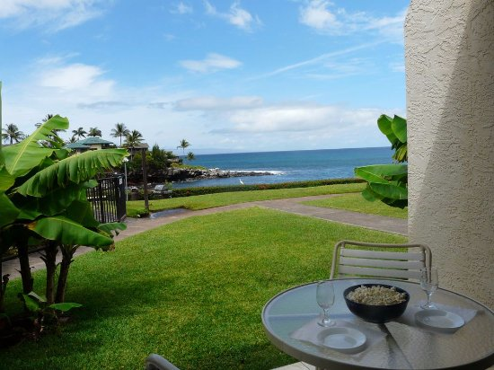 Napili Point Resort: Unit A-23  view of the lanai / patio