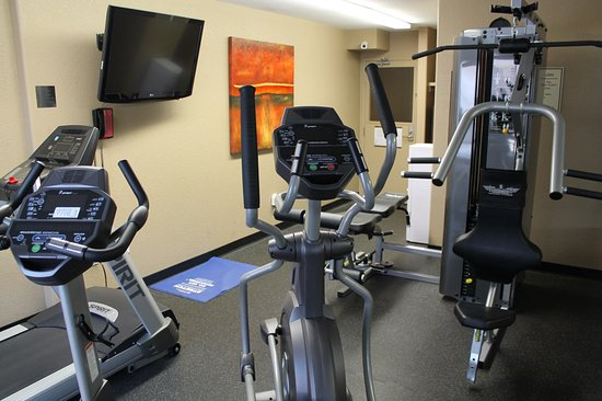 Best Western Strathmore Inn: Fitness Room