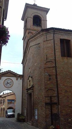 Dozza, Italy: La semplice facciata