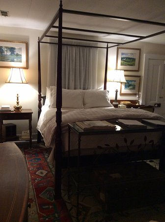 Hillsborough, Carolina del Norte: Four poster bed in Person room